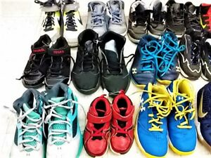 Athletic shoes for boys
