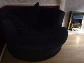 cosy black spinning circle chair