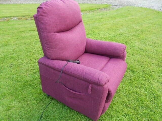 Electric Riser Recliner Mobility Chair | in Londonderry, County Londonderry | Gumtree