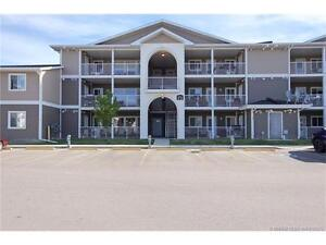 3 bed,1 bath condo on the top floor in desired area of Southland