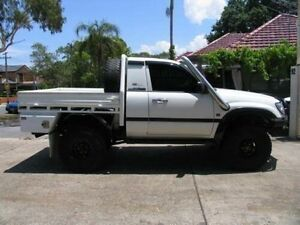 2001 Toyota Landcruiser HZJ100R (4x4) White 5 Speed Manual 4x4 Cab Chassis Kingsgrove Canterbury Area Preview
