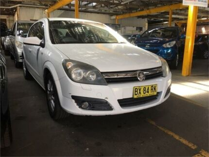 2007 holden astra ah cd grey automatic hatchback cars vans 2007 holden astra ah cd white automatic hatchback fandeluxe Images