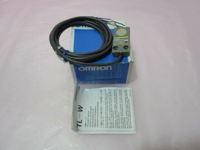 Omron TL-W5F2 Proximity Switch Sensor, 12-24 VDC, 18952, 2m, 200mA Max, 416518