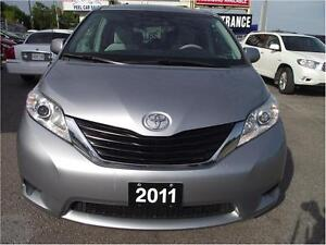 2011 Toyota Sienna LE*ACCIDENT FREE*3 YRS WARRANTY INCLUDED**