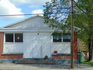 Duplex for sale  Possibility to convert into Commercial Space.
