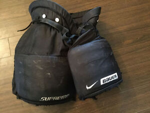 Bauer Supreme Goalie Pants - Size Intermediate Medium Kitchener / Waterloo Kitchener Area image 1
