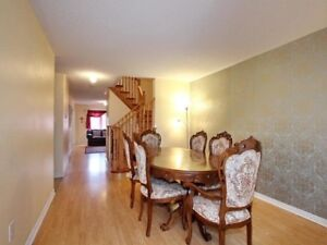 **Townhouse for sale in Brampton with fineshed basement**
