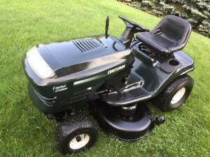 21hp Craftsman lawn tractor --- great working condition