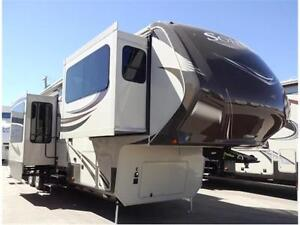 Beautiful Front Living Room 5th Wheel