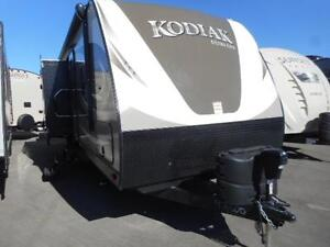 FUNCTIONALITY AND COMFORT IN THE 2017 KODIAK 306 BHSL