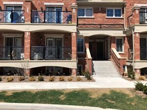 TOWN HOUSE FOR RENT ON A PRIME LOCATION OF OAKVILLE @ Dundas/ 6t