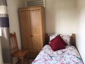 Single room in Hemel Hempstead £100per week all inclusive