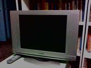"""Sylvania 18"""" TV with remote"""