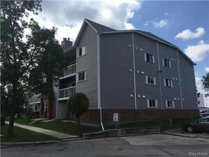 3 Bedrooms condo close to University of Manitoba for sale