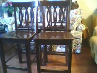 barstyle table with 4 chairs