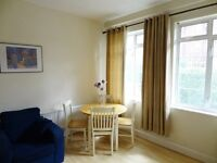 2 bedroom flat in Hamlet Gardens, Hammersmith, London, W6