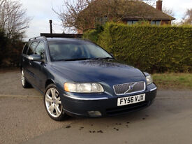 Volvo V70 2.4 // Owned by Volvo for first 7 years // Full service history // New cam belt