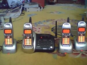 Uniden Cordless Phone Set of 4 Phones 2.4Ghz