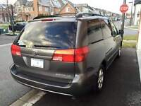 2004 Toyota Sienna LE  DVD/BLUE TOOTH MP3