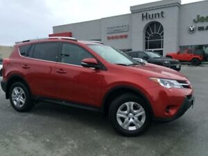 2014 Toyota Rav4 LE, CAMERA, BTOOTH, HTD SEATS & MORE!!!
