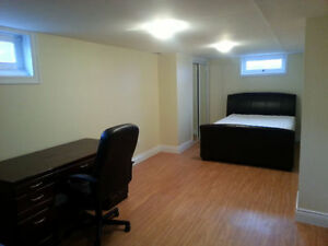 SPACIOUS, FURNISHED 3BEDROOM CLOSE TO WEST CAMPUS