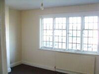 Well Presented and spacious 2x bed flat above shops , located Close to Kenton Station