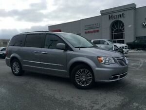 2016 Chrysler Town & Country TOURING-L DVD, NAV, SUNROOF, LE