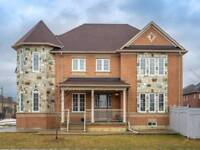 Beautiful Detached Home With 4 Bedroom And 4 Washroom