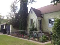 Buena Vista! Comfortable 3 Bedroom House for Rent Near Broadway