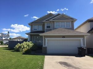 Gorgeous Home in Sherwood Park!