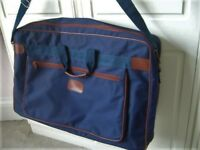 Un used large navy canvass holiday / sports bag holdall - southbourne