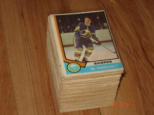 Cartes de hockey OPC 74-75, lots de 110 cartes (23%)