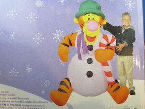 4 Foot Disney Self Inflates Christmas Tigger Plug-in & it Inflat