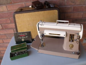 Two-tone Singer 301 Short-bed Sewing Machine: fully serviced