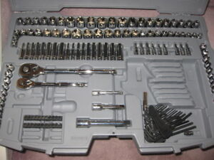 Was $225 new never used 200pc Maxium Tool Set!