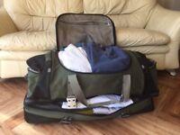 Large Samonsite green duffle style luggage bag