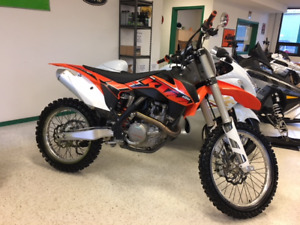 Next to new KTM 450 SX-F, electric start for $69 bi-weekly!