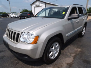 2010 Jeep Grand Cherokee Laredo (Comes with winter tires)