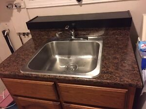 Sink with countertop included