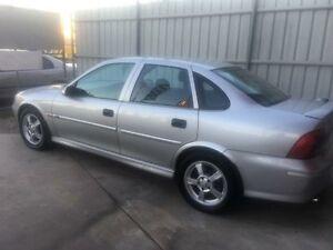 2001 Holden Vectra JS2 GL Silver Manual Sedan Clontarf Redcliffe Area Preview