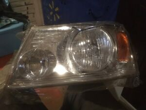 FORD F150 LEFT HEAD LIGHT