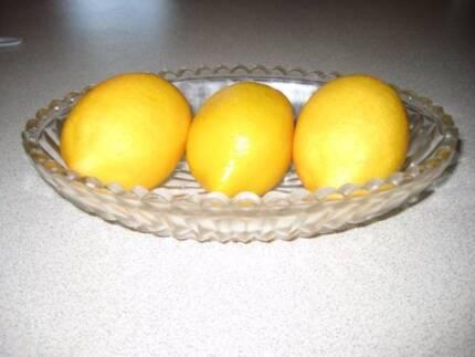 Glass Bowl with Wax Lemon