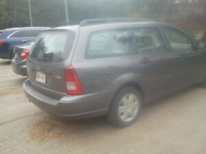 2005 Ford Focus Wagon.Asking 1400 neg