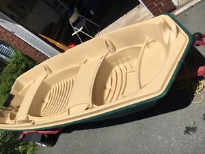 Sun Dolphin 12' Fishing Boat with Trailer