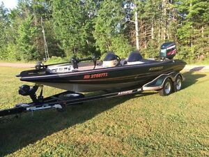 Fully Loaded Stratos Bass Boat