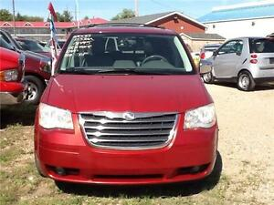 2008 Chrysler Town & Country Touring 155KMS $6500