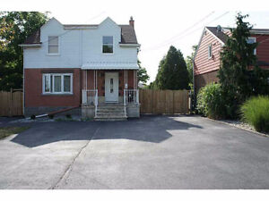 ALL INCLUSIVE Duplex Beautifully Renovated 2-Storey for Lease