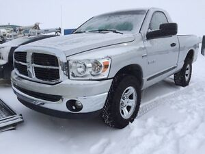 2008 Dodge Ram 1500 SLT 4x4 One Owner. AUCTION!!!