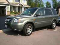 2007 Honda Pilot EXL SUV Low KMs & Exceptionally Maintained