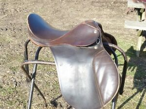 17 IN A/P ENGLISH SADDLE BY CAVALIER